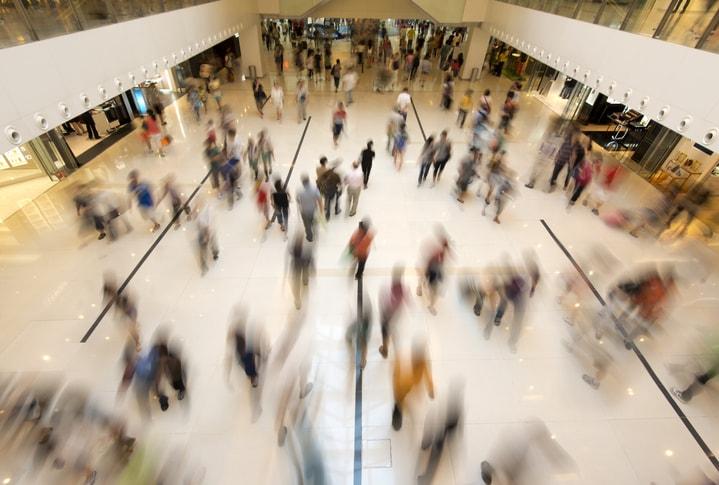 Digitalisation des espaces de vente : quand l'affichage digital s'invite dans l'aéroport